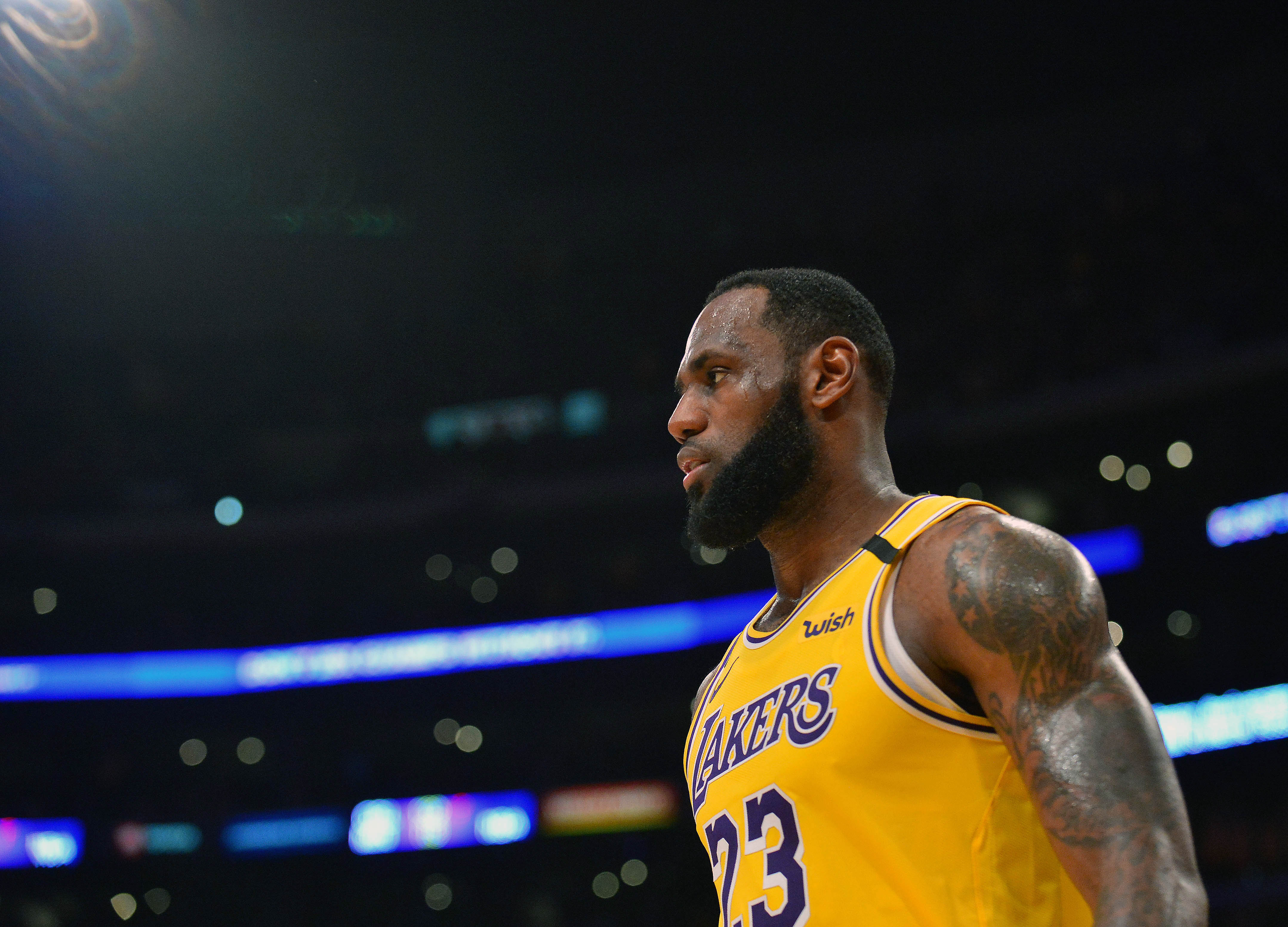 LeBron James working out 'like a madman' while stuck at home