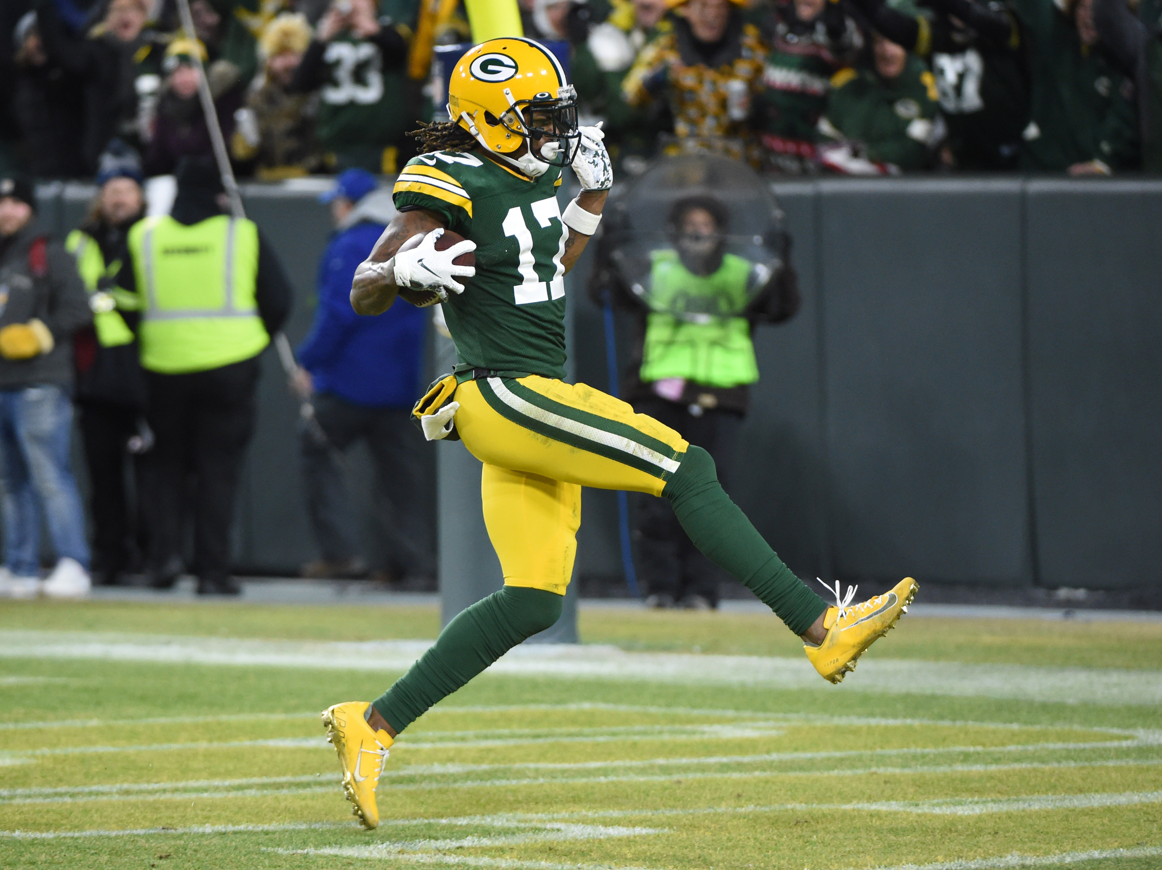Packers Position Preview: Wide Receivers: Someone Needs to Step Up This Year