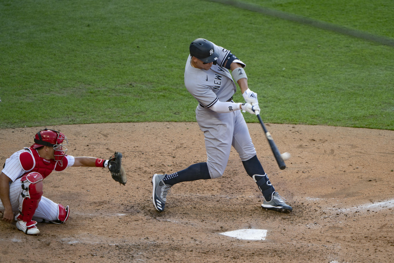Aaron Judge ties Alex Rodriguez's home run record with massive blast (Video)