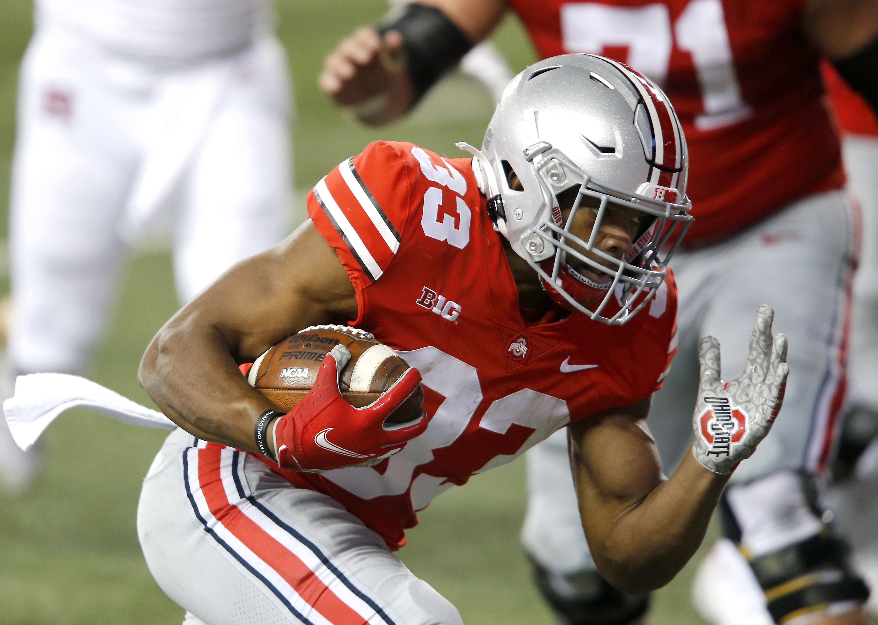 Ohio State wins key top-10 game in college football