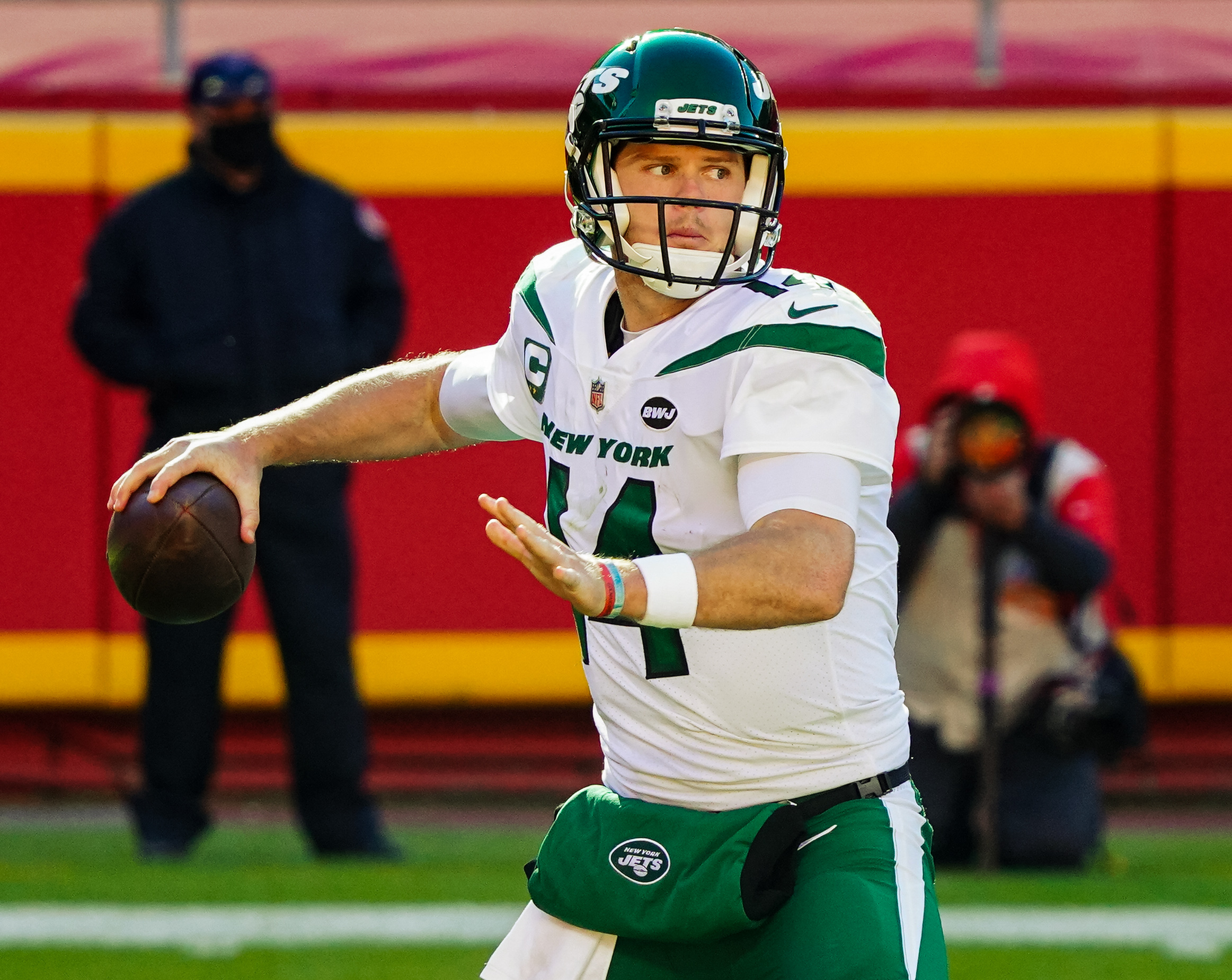 Jets unlikely to get solid return for Sam Darnold in potential trade