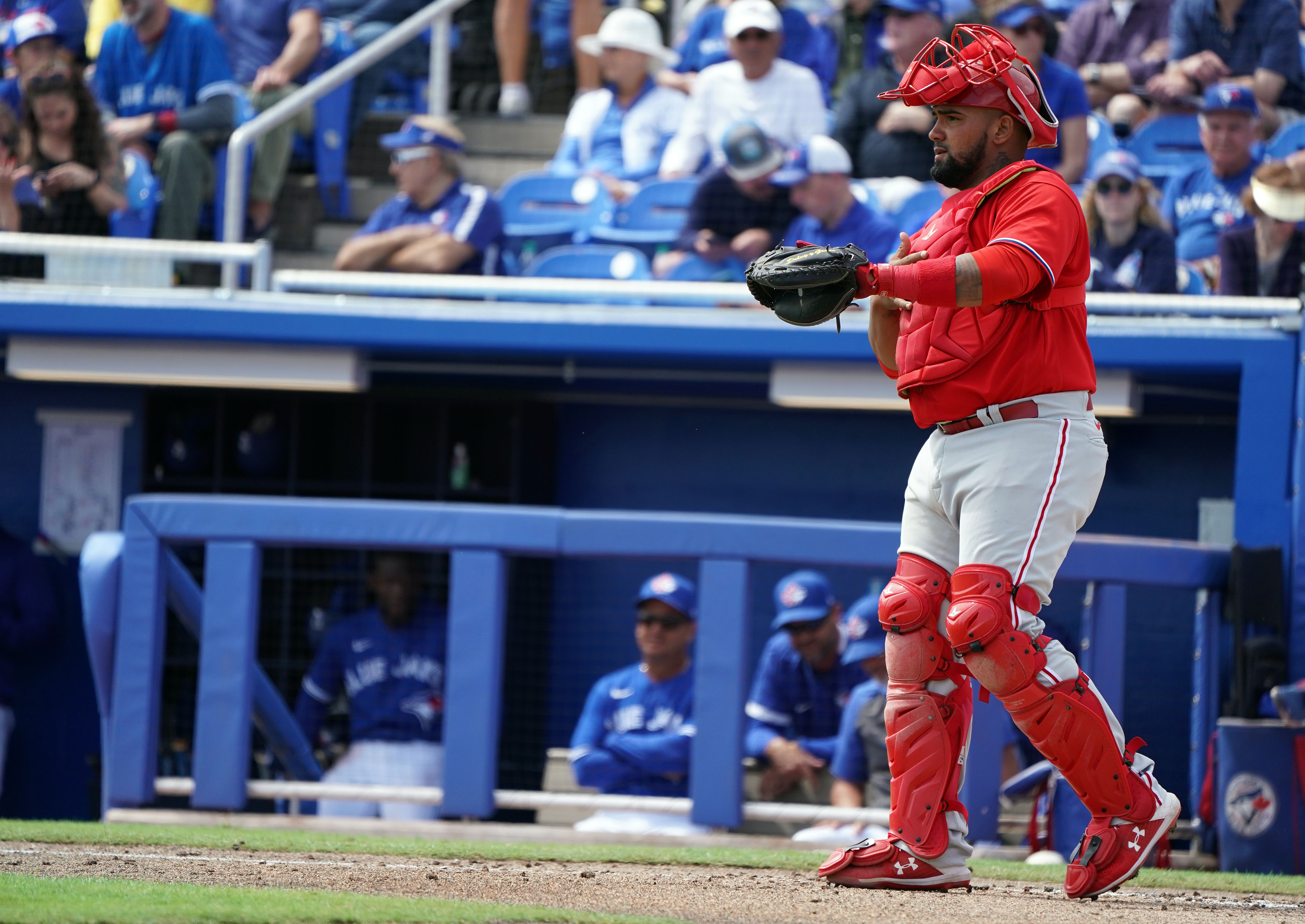 Reds claim catcher Deivy Grullon off waivers from Red Sox