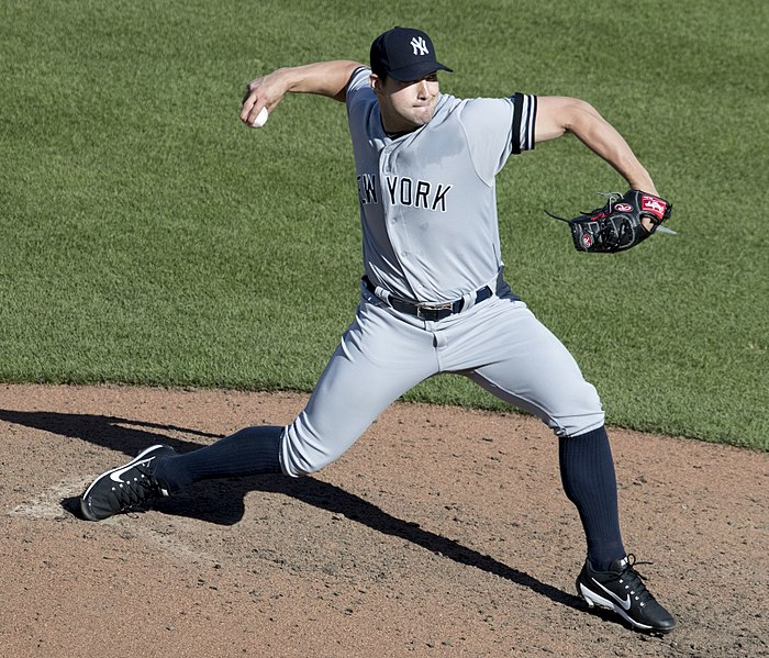 Dodgers sign relief pitcher Tommy Kahnle from the Yankees