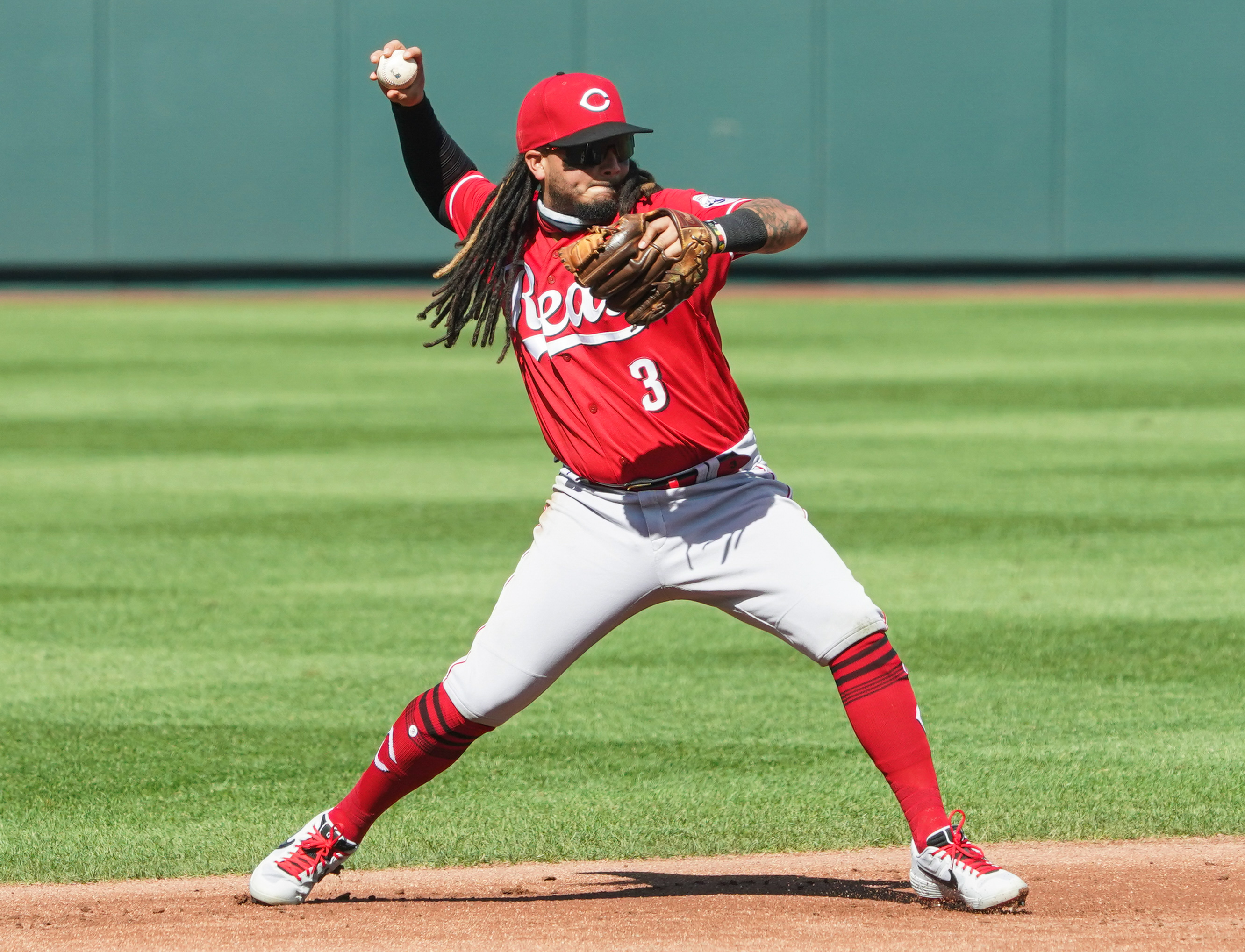 Orioles sign shortstop Freddy Galvis from the Reds