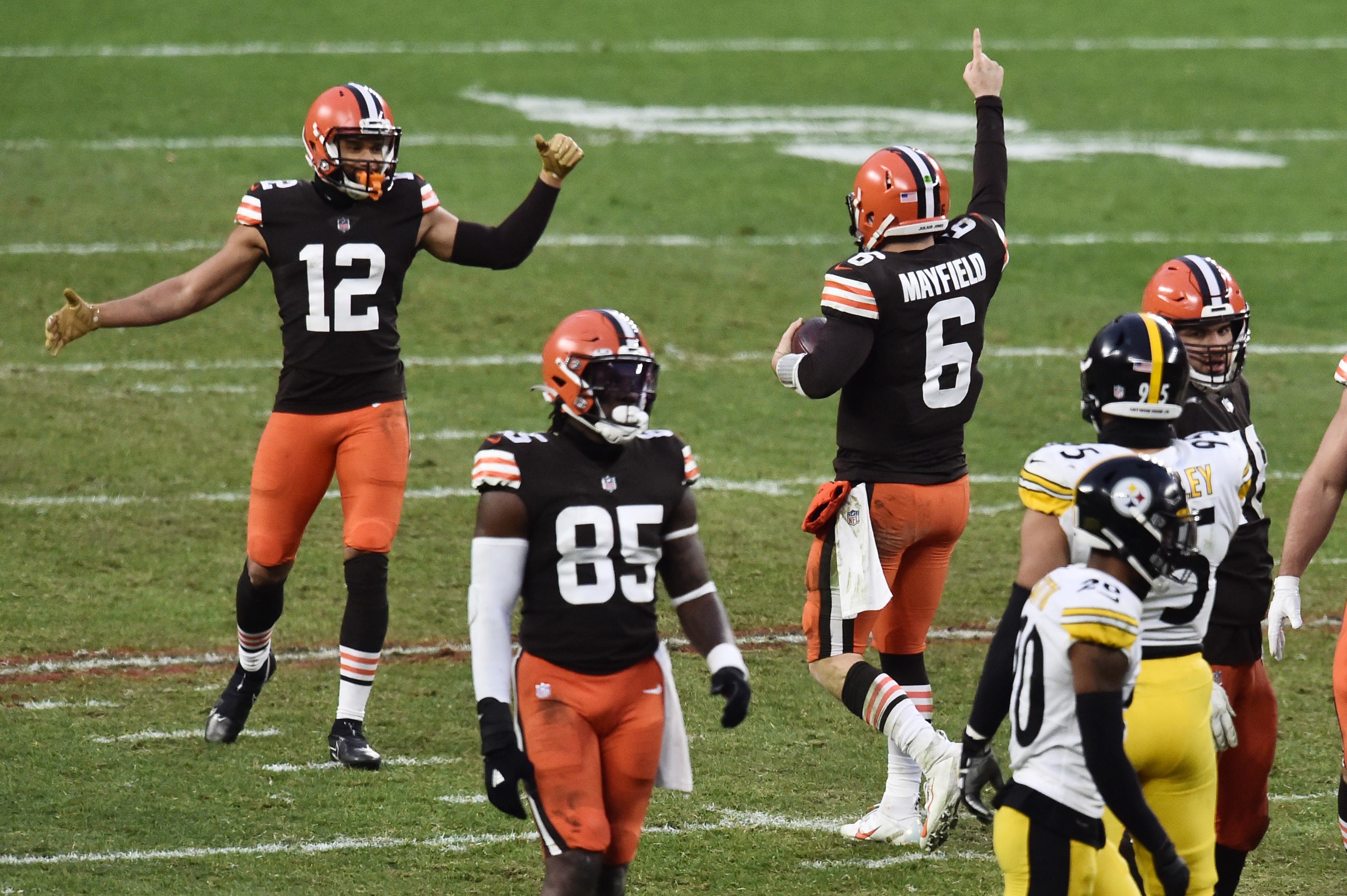 NFL Wild Card Weekend Picks & Previews