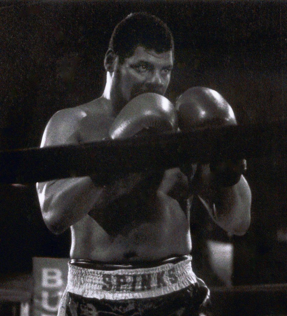 Former heavyweight boxing champion Leon Spinks dies of cancer
