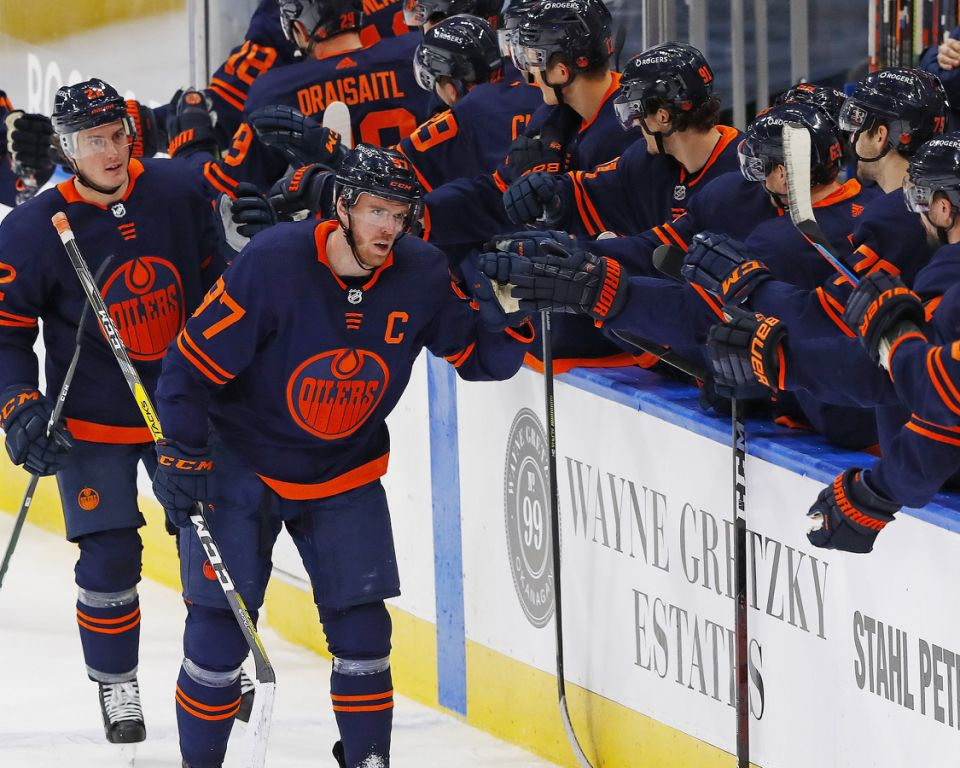 Oilers Marvel At McDavid's Special Night
