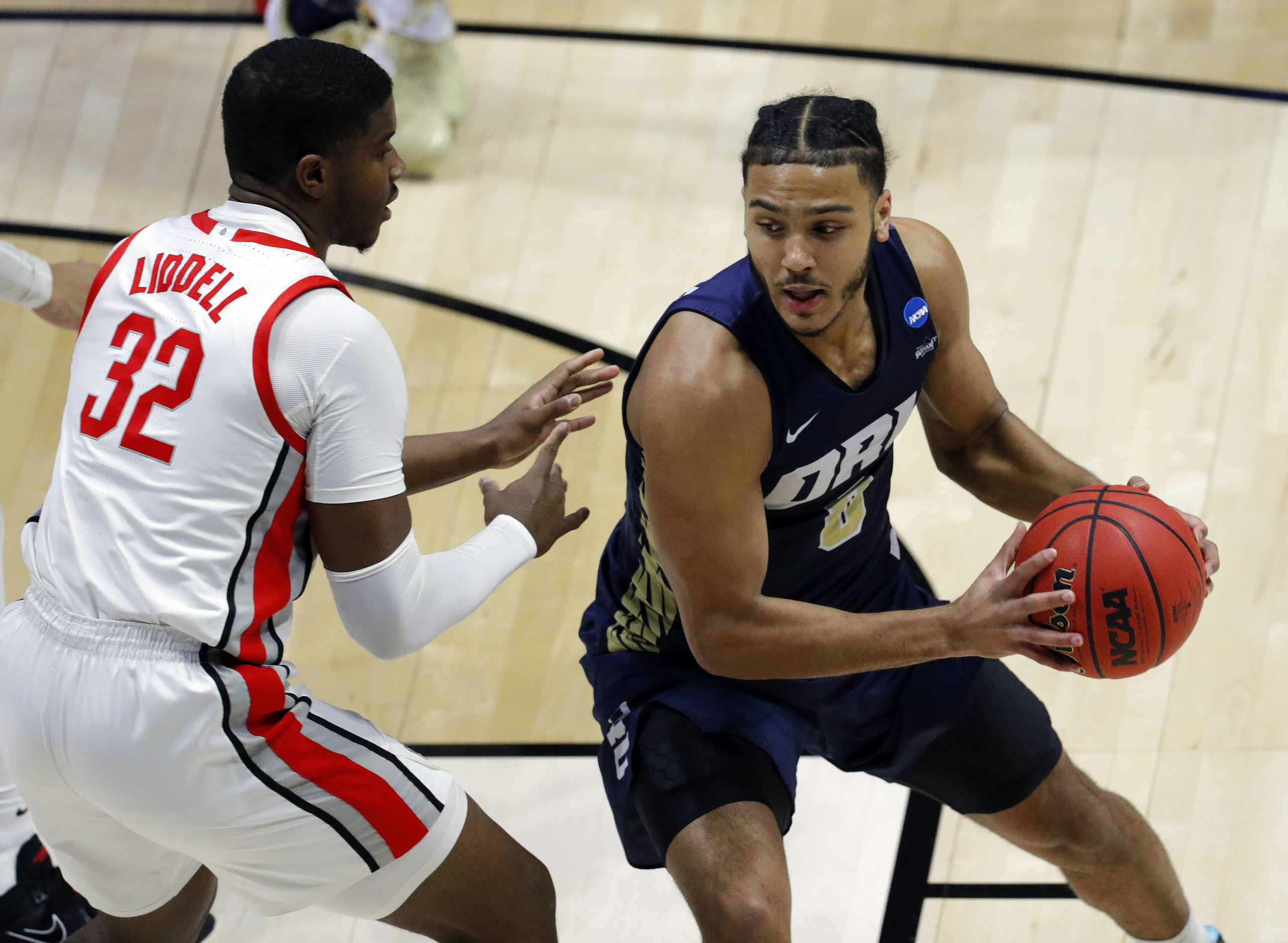 Oral Roberts continues to stun at March Madness