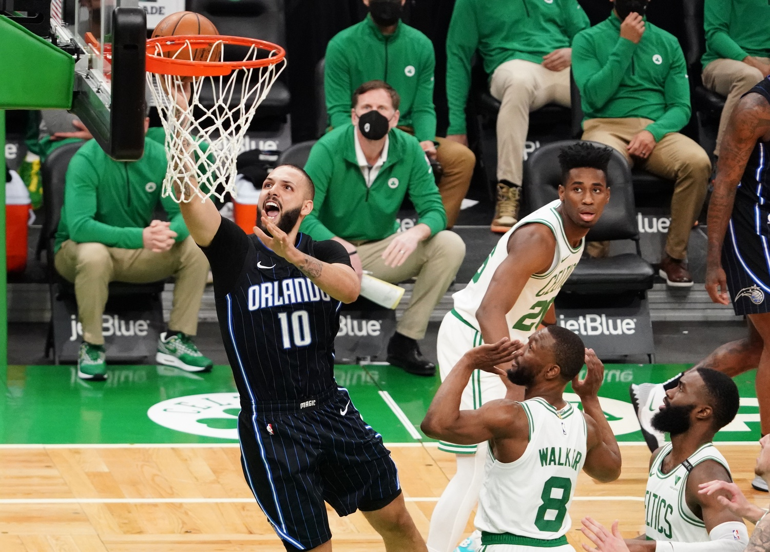 Report: Celtics acquire Fournier from Magic