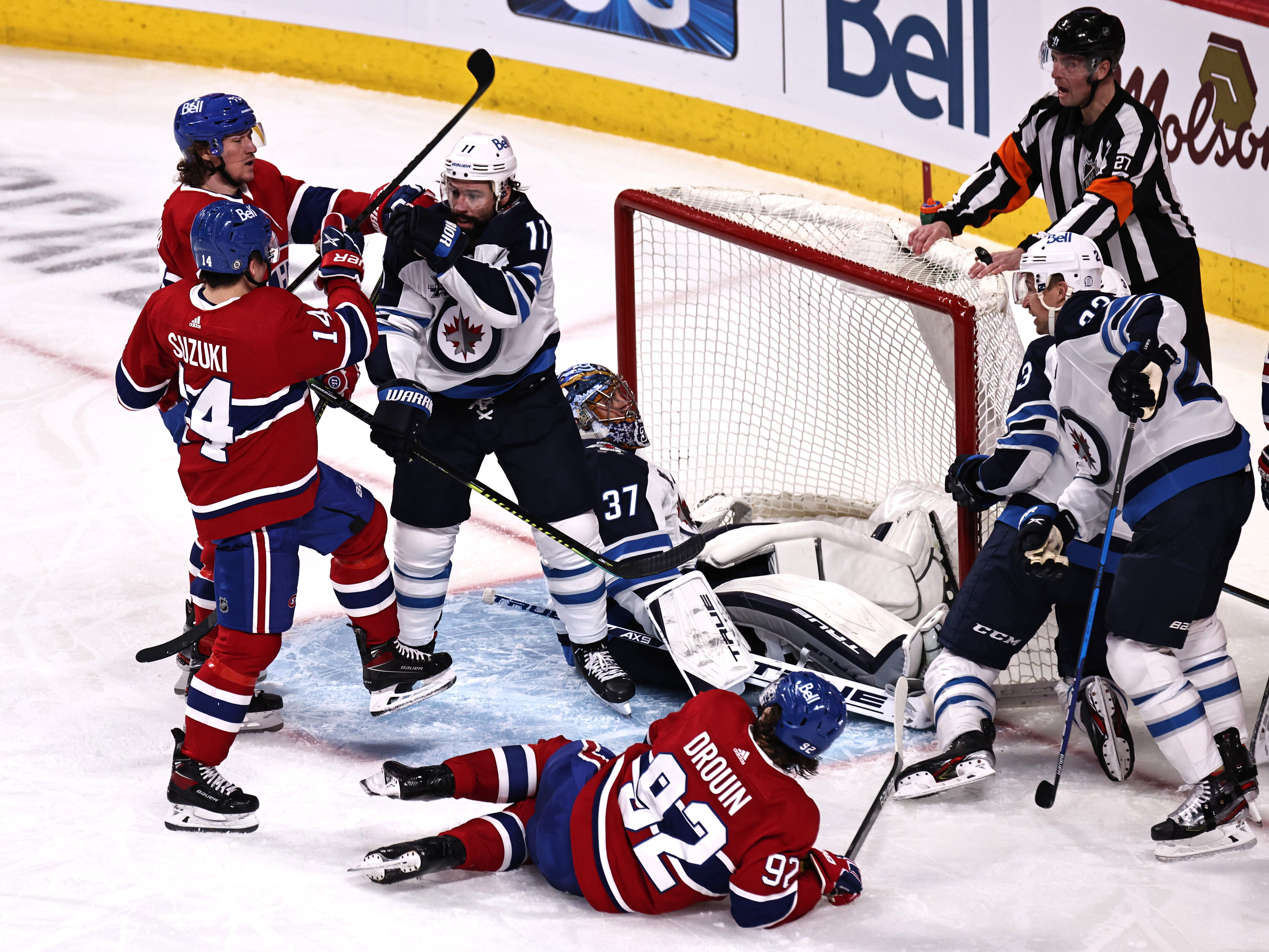 Ex-College Hockey Players Lead Jets Past Oilers