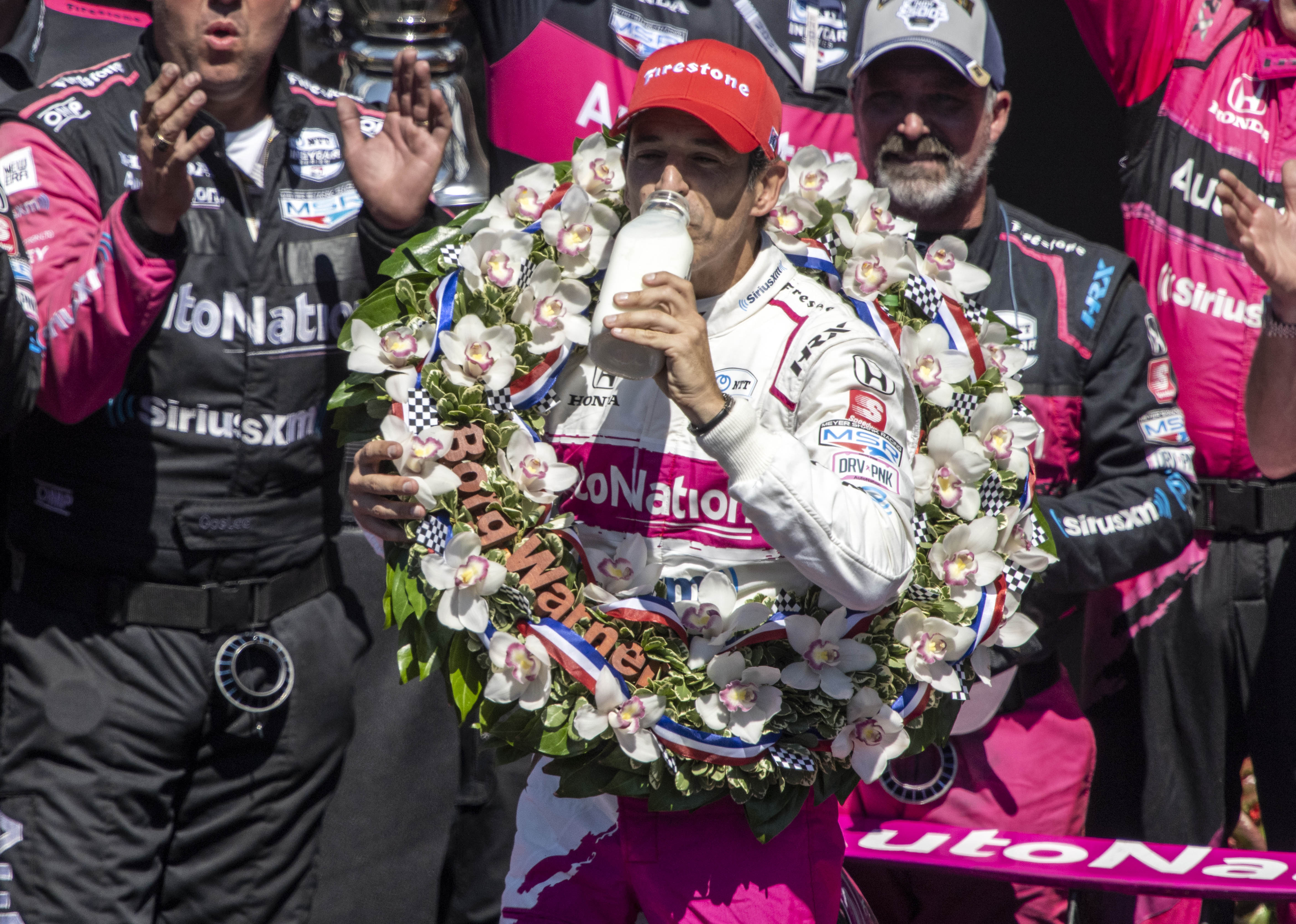 Helio Castroneves wins record-tying fourth Indianapolis 500