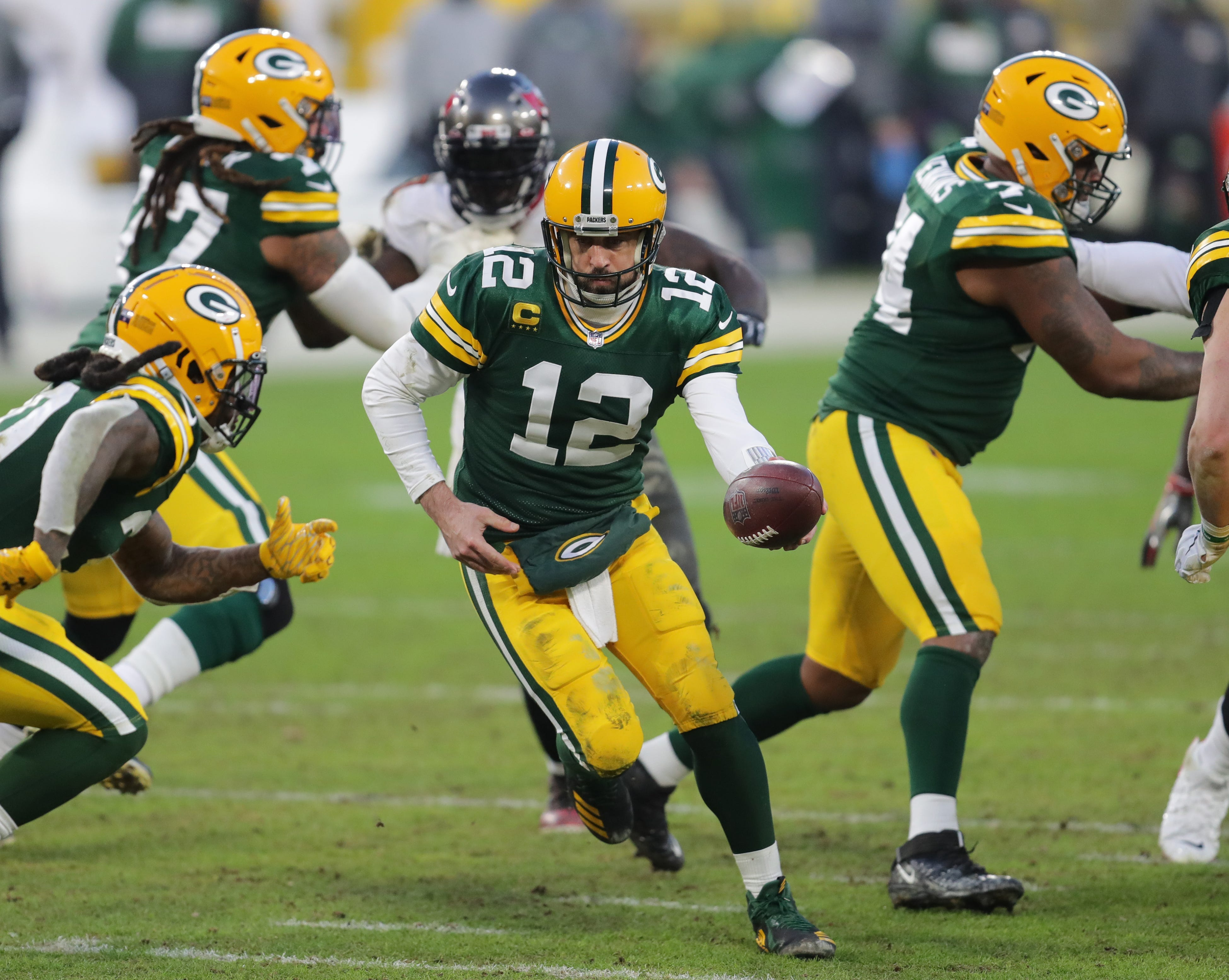 Green Bay Remains Mr. Rodgers' Neighborhood (For Now)