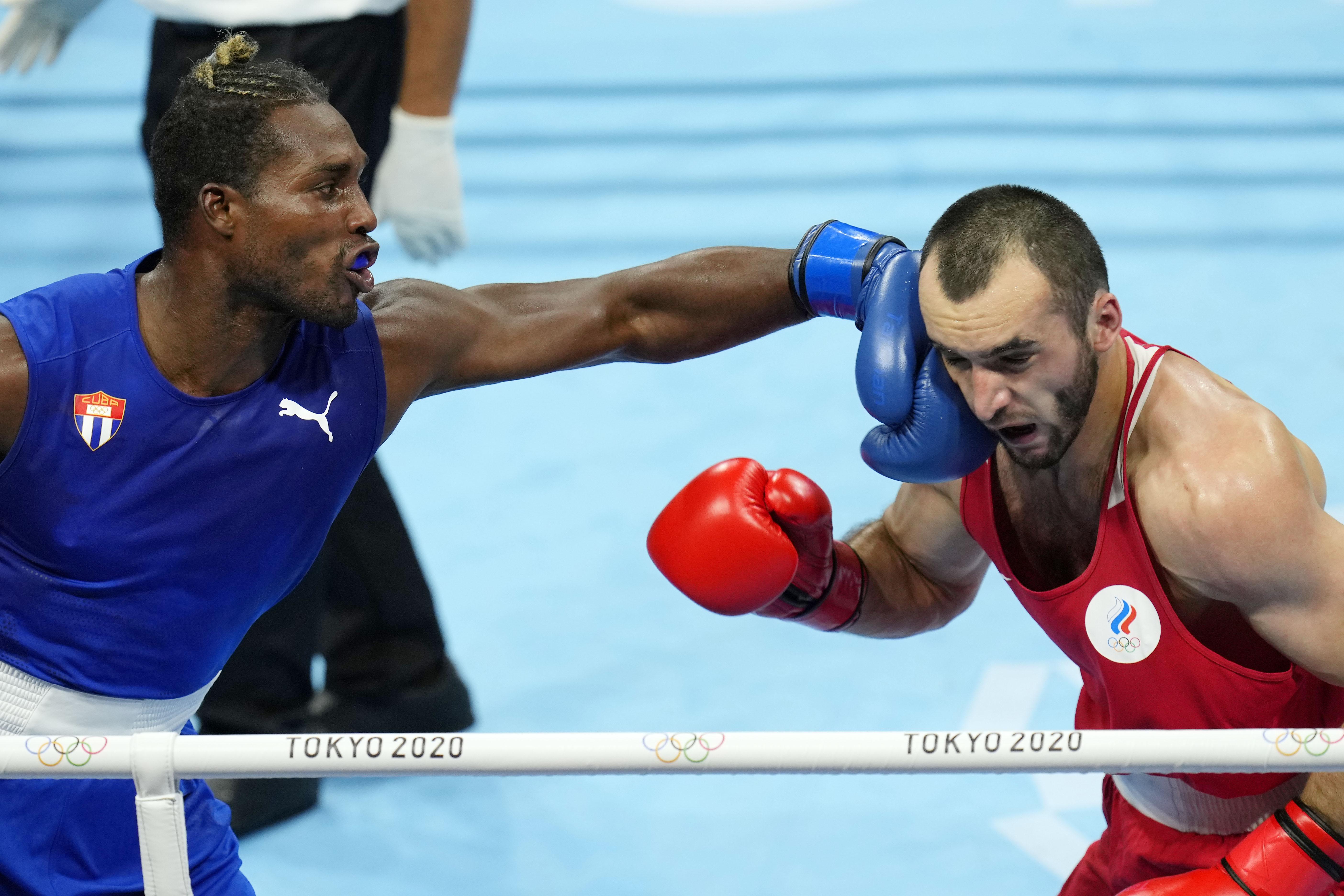 Julio Cesar La Cruz wins his second consecutive Olympic gold medal
