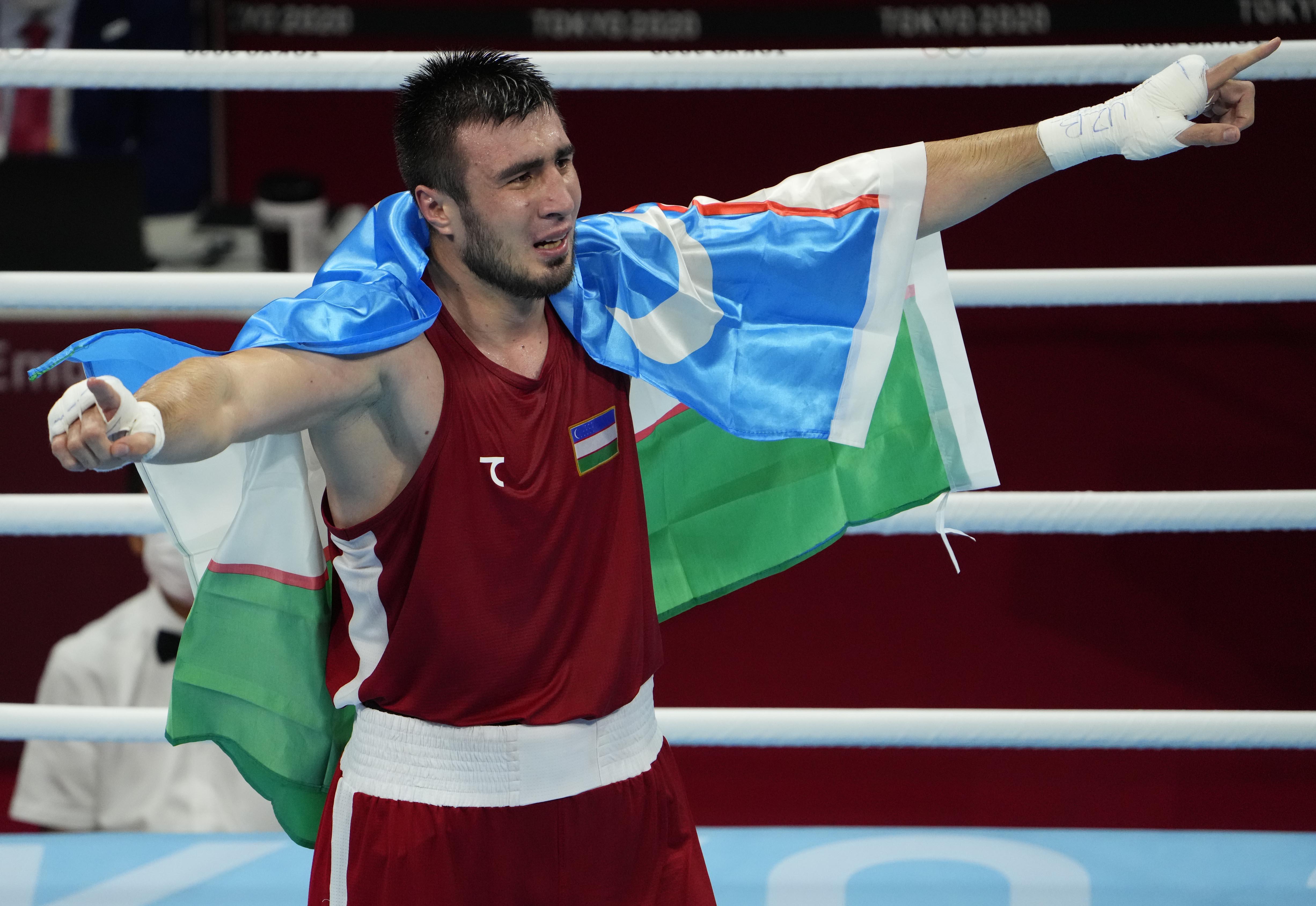 Bakhodir Jalolov of Uzbekistan becomes Olympic men's super heavyweight champion